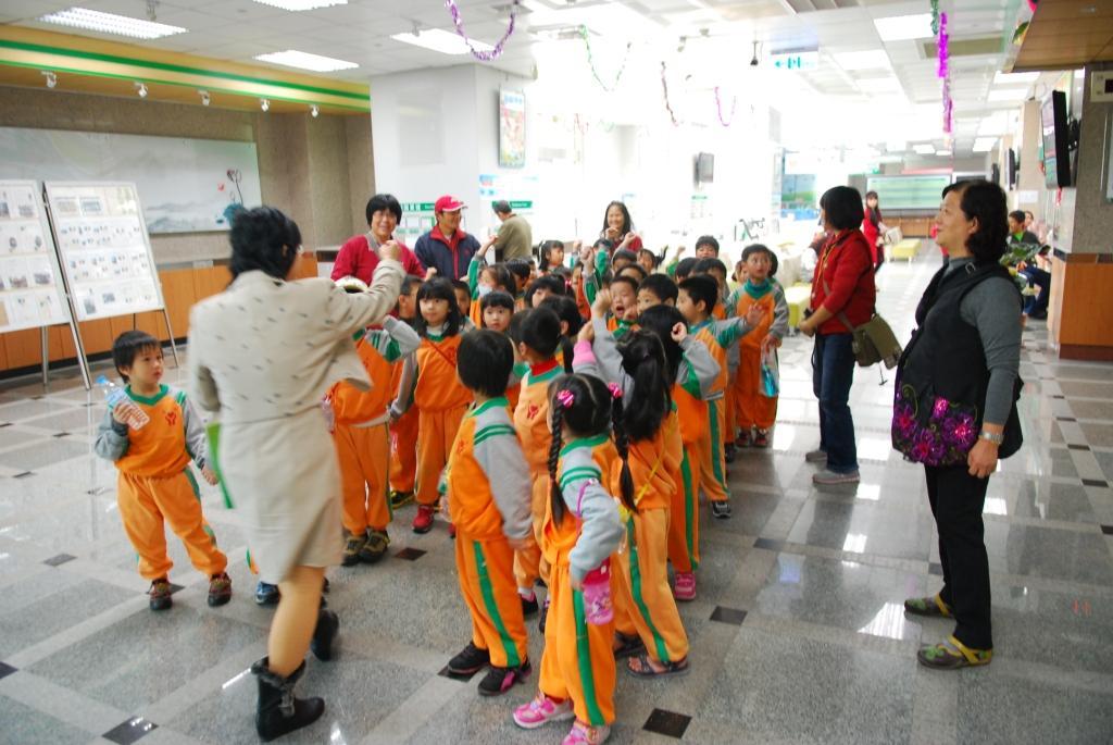 103年民生幼兒園參觀本局