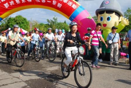 101年關愛社區活動-親子騎單車活動