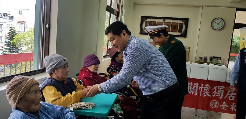 「郵政傳情‧愛心相隨」聖十字架療養院關懷獨居長者活動