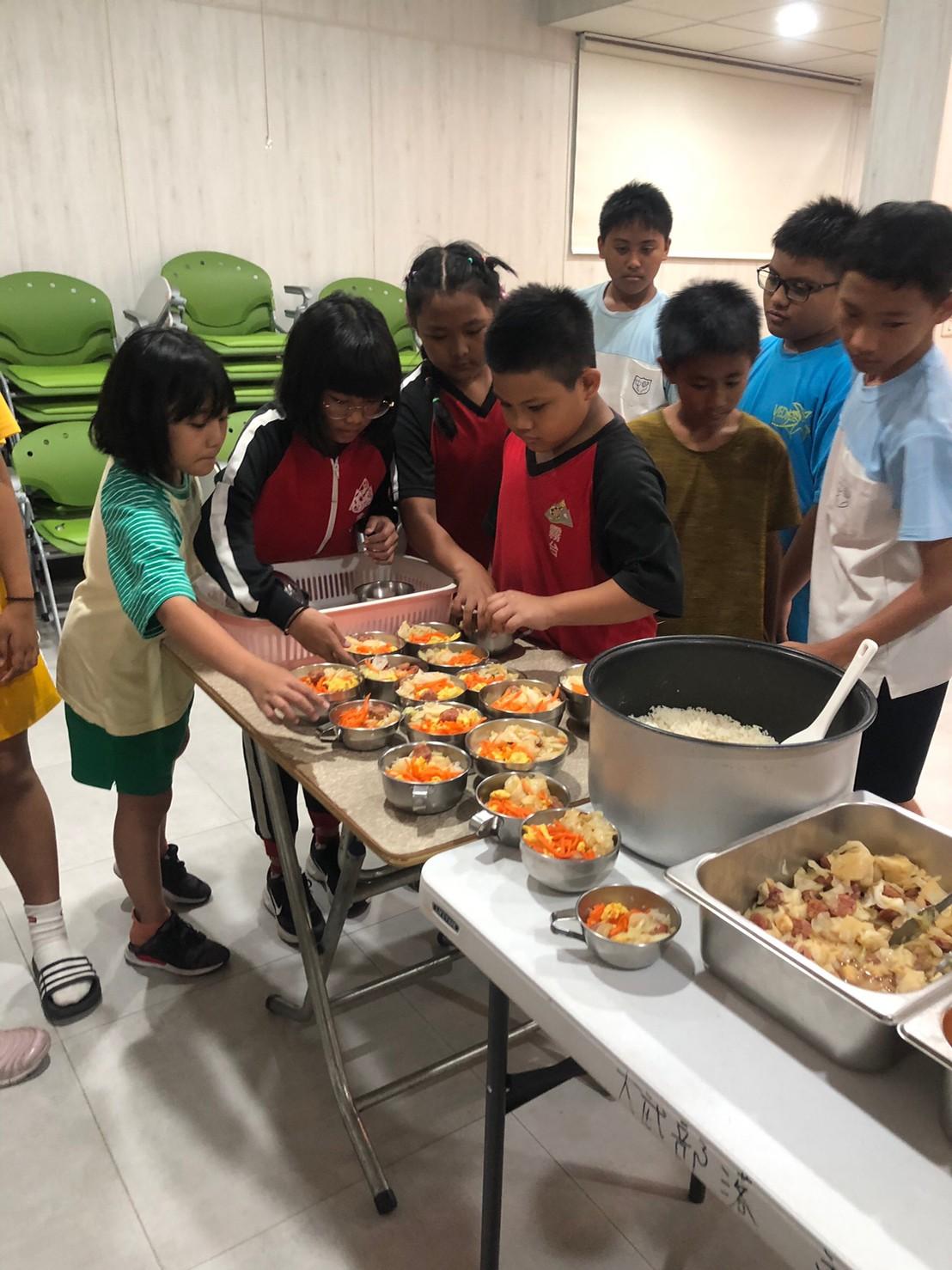 偏鄉弱勢兒童課輔班營養餐費及設備需求扶助計畫